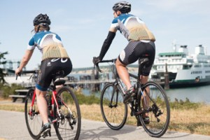 Bicycle Adventures - Bike Tours around the Islands :: Our 4-7 day all-inclusive cycle tours combine daily riding, hiking, sea kayaking, excellent lodging, most meals and exceptional guides.Can include Vancouver BC too.